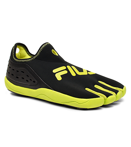 e5aef4c76639 Fila Men s Skele-toes TriFit at SwimOutlet.com - Free Shipping