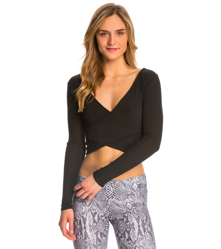 f2f2c2277d9 Alo Yoga Amelia Long Sleeve Yoga Crop Top at YogaOutlet.com - Free Shipping