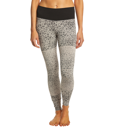 8910c5d4e7e85 NUX Feline Seamless Yoga Leggings at YogaOutlet.com - Free Shipping