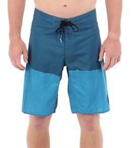 Reef Men's Tail Dip Boardshort