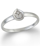satya-jewelry-mini-etched-lotus-stackable-ring