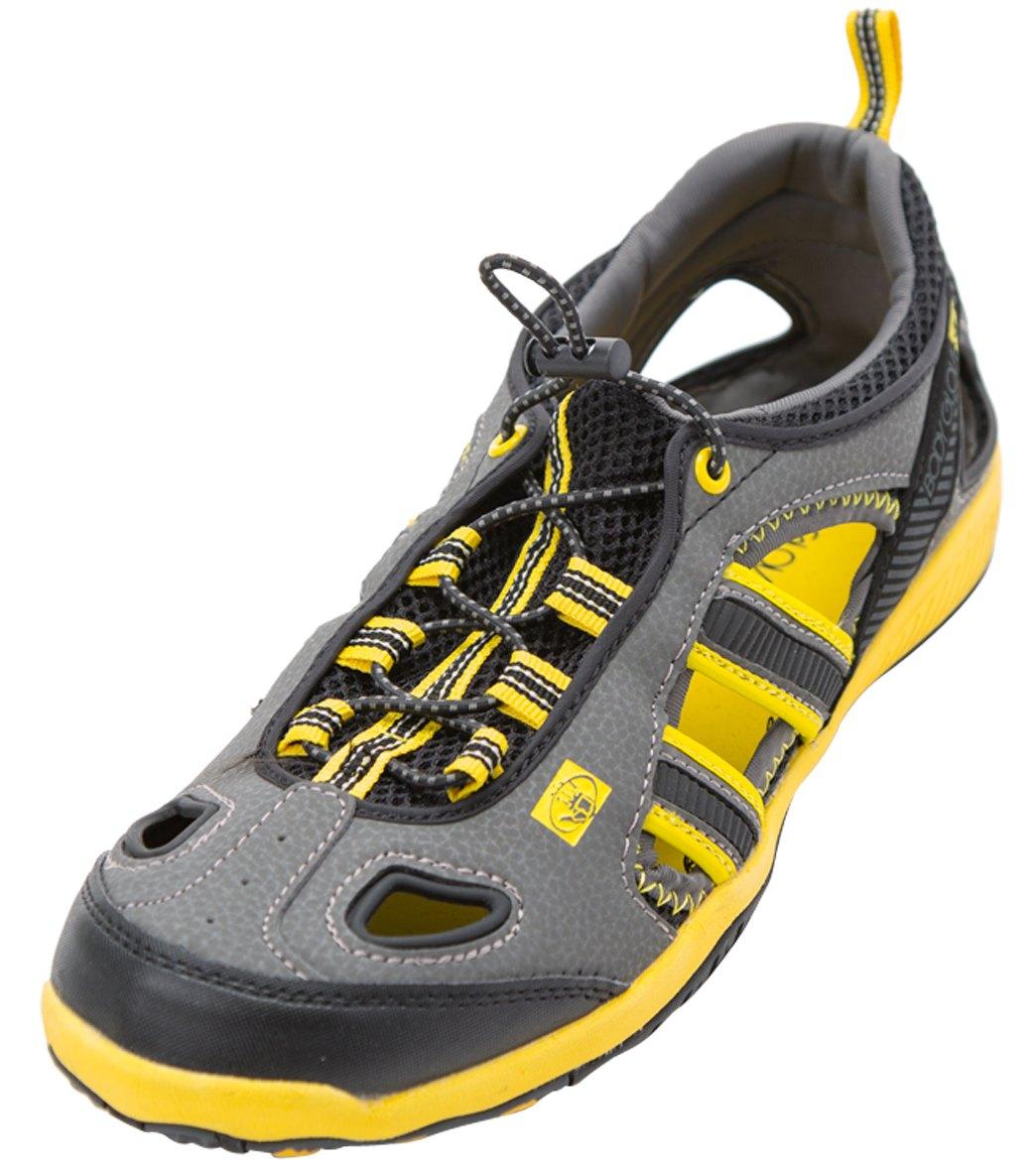 glove footwear